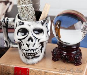 Studio City Antiqued Skull Mug